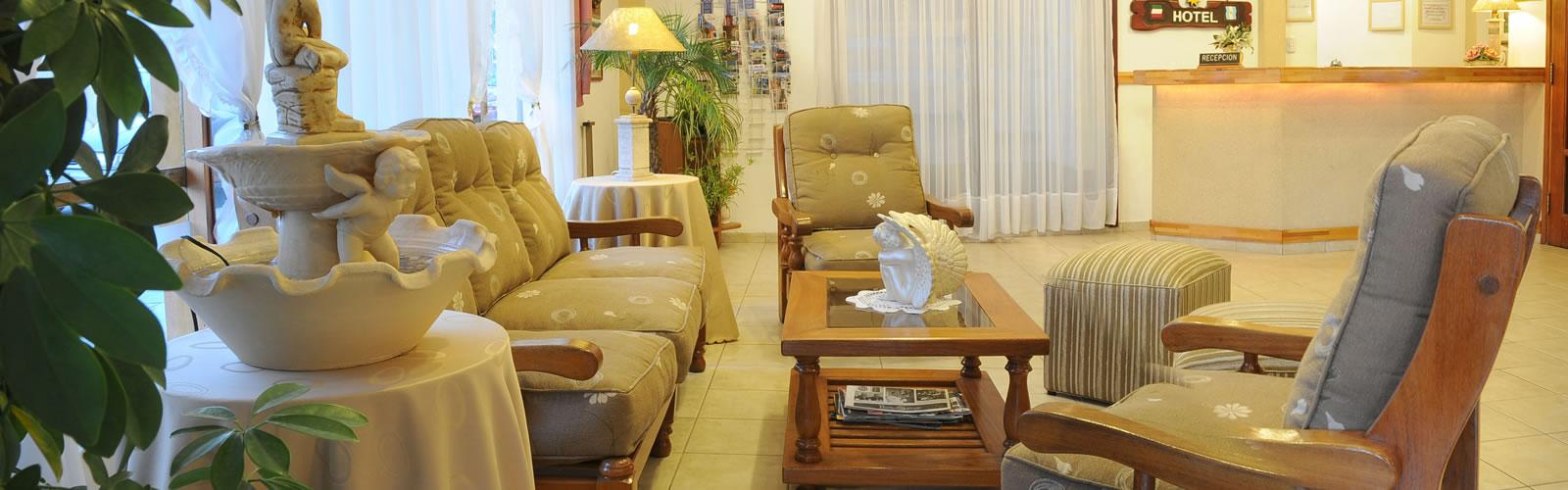 Sala de estar de Hotel Salerno en Villa Carlos Paz
